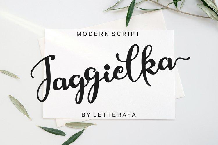 Jaggielka - Modern Script Font